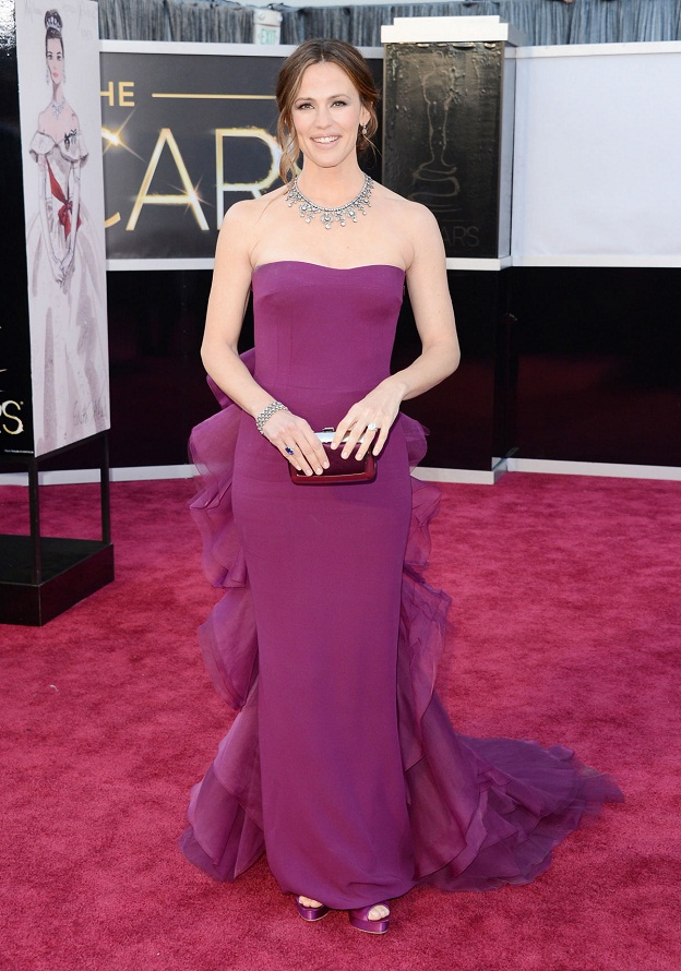 Jennifer Garner - Celebrity Fashion at the 2013 Oscars