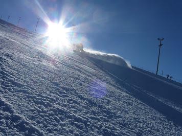 Down hill snowboarding // Lumilautailua