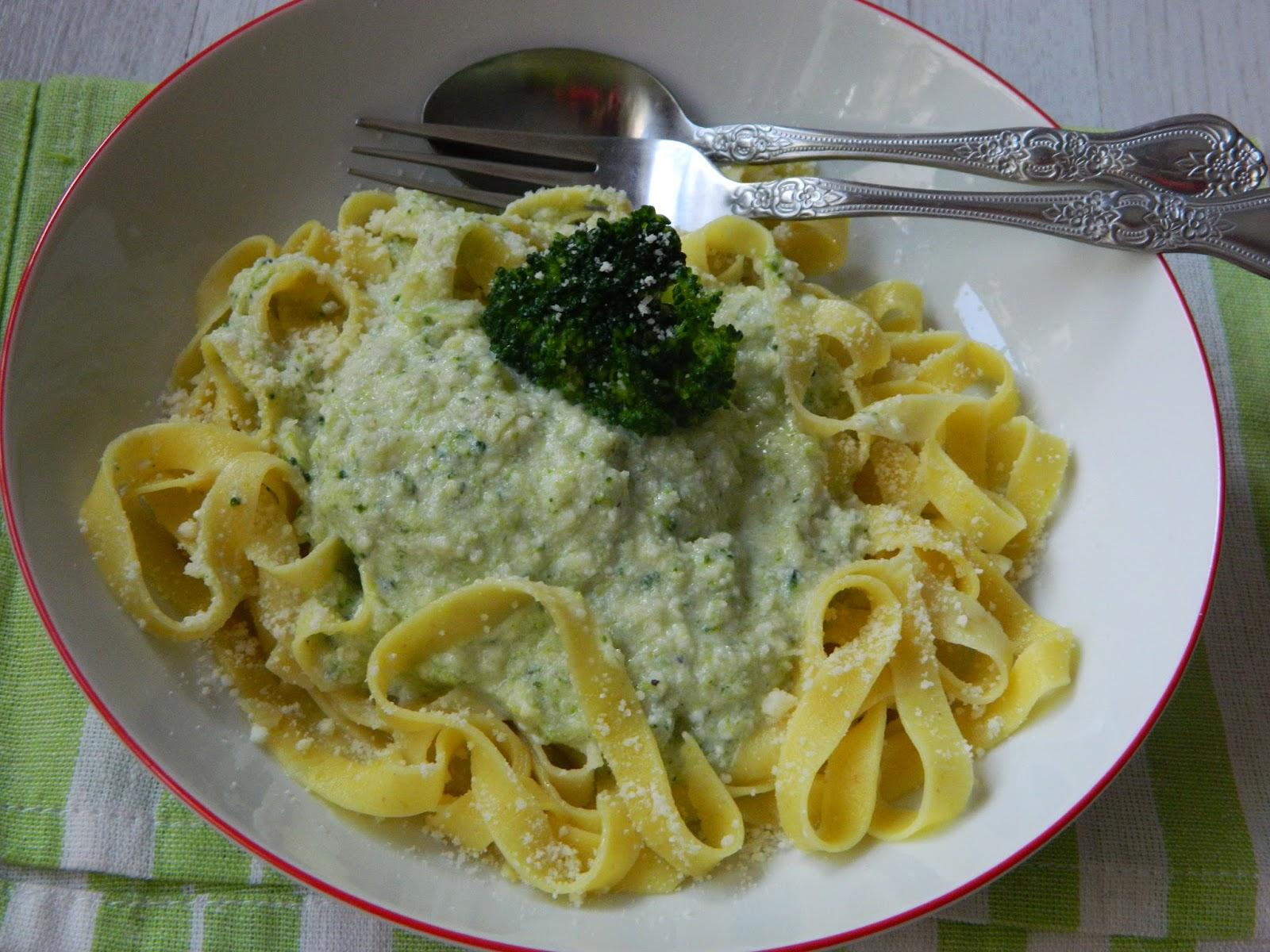 Paste cu broccoli si branza