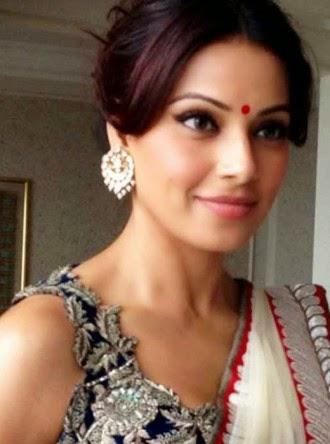 bipasha basu white net saree wallpaper 330x444