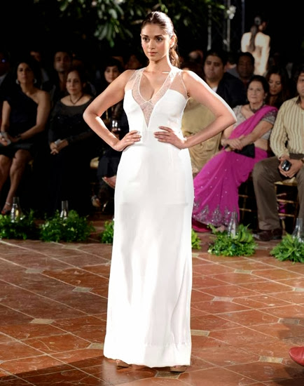 Aditi Rao Ramp Walk in White Gown