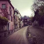 Paris Mon AmourCalling Montmartre Home (via Nest of Pearls) (nest of pearls australian design blog paris mon amour )