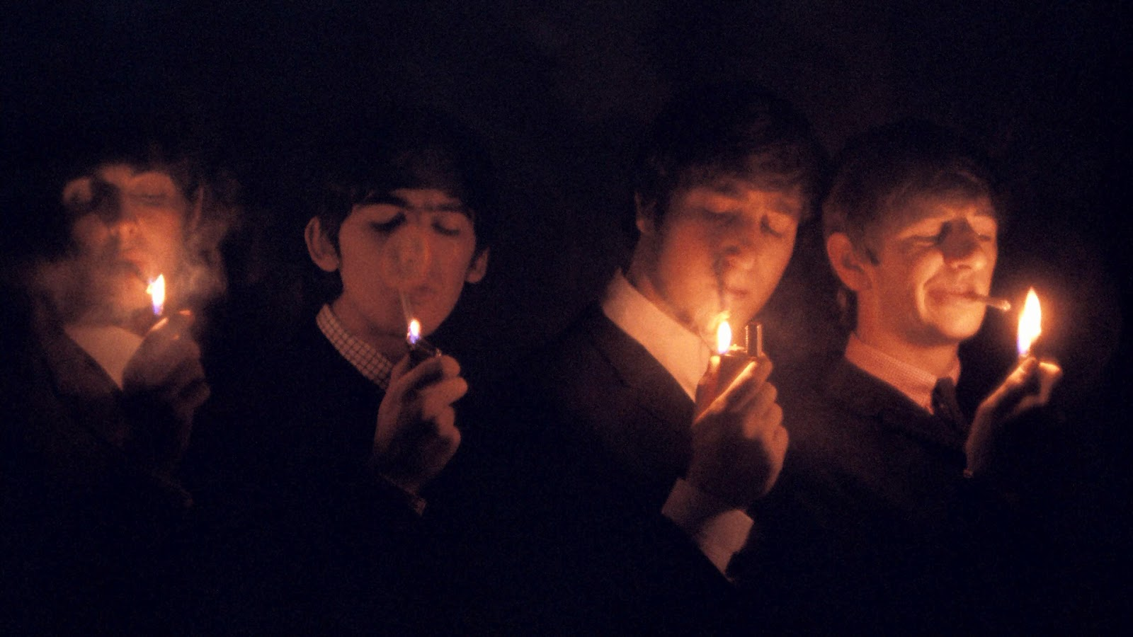 http://1.bp.blogspot.com/-FEkRt56V_bY/T3_Ev6cXnuI/AAAAAAAAEE0/GaXgMWtTg8Y/s1600/elite_photo-the_beatles_loved_smoking.jpg