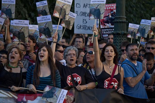 Zaragoza Antitaurina - Anti bullfighting Fiestas del pilar Remember - Contra el toro de la Vega en Tordesillas -