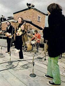 The Beatles ( clica na imagem para ouvires a mais famosa e eterna canção de John Lennon)