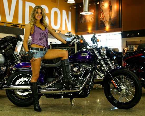 hot nudefemale modles on harleys