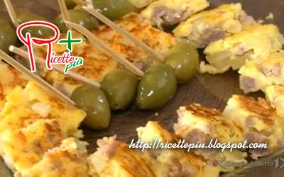 Frittata con Patate, Salsiccia e Provola di Cotto e Mangiato