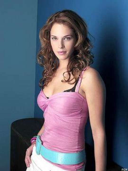 Amanda Righetti Net Worth