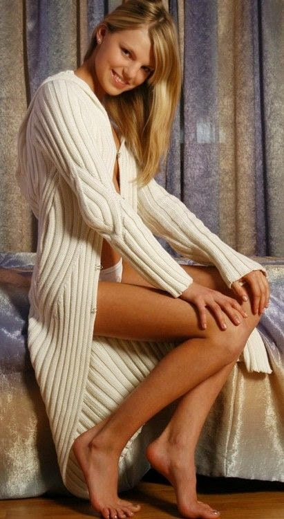 dlugi sweter na drutach