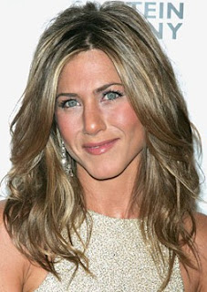 jennifer aniston look