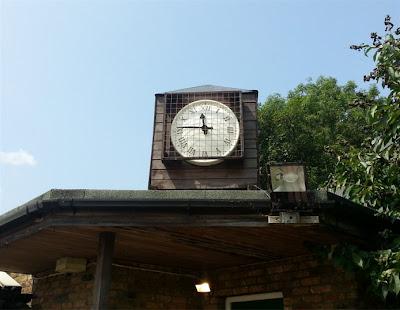 Sunbury on Thames: l'orologio del campo del Sunbury Cricket Club