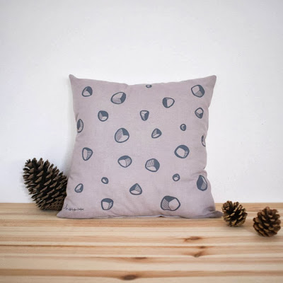 http://shop.sweetieham.com/product/little-stones-coussin-cushion