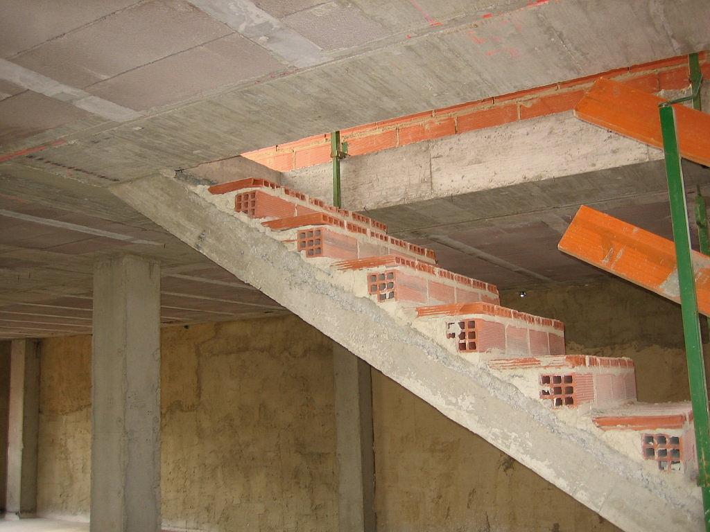 El maestro de obras xavier valderas hacer escalones de for Que es una escalera