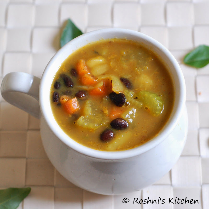 Roshni's Kitchen: Vegan Black Bean and Vegetable Soup
