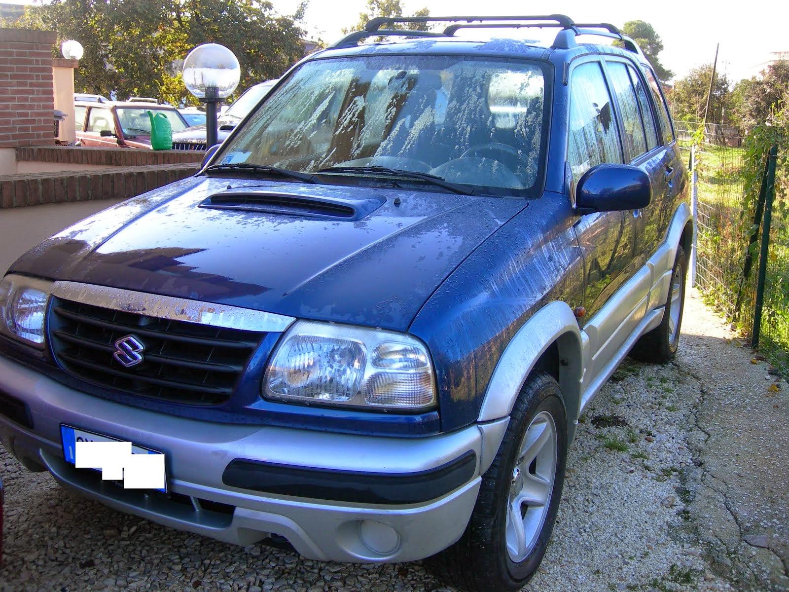 Suzuki Gran Vitara 2.0 TDI 4x4 acc: full optional 100.000 km  Anno 2004 prezzo 6.000,00 Euro