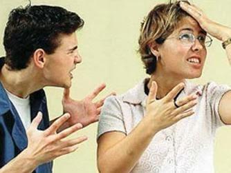 تعرف على الصفات التى تريدها المرأة فى زوج المستقبل  - حبيبان زوجان رجل امرأة يتشاجران يتعاركان