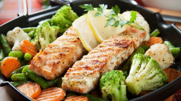 ricette dieta detox pesce alla griglia con contorno di broccoli e carote dieta detox dieta detox delle feste dieta detox natale cibi disintossicanti cibi detox fini sani come funziona la dieta detox cosa mangiare durante la dieta cibi dietetici ricette light healthy food detox food detox salad detox diet how to works detox diet mariafelicia magno fashion blogger colorblock by felym fashion blog italiani fashion blogger italiane blog di moda blogger italiane di moda fashion blogger bergamo fashion blogger milano fashion bloggers italy italian fashion bloggers influencer italiane italian influencer