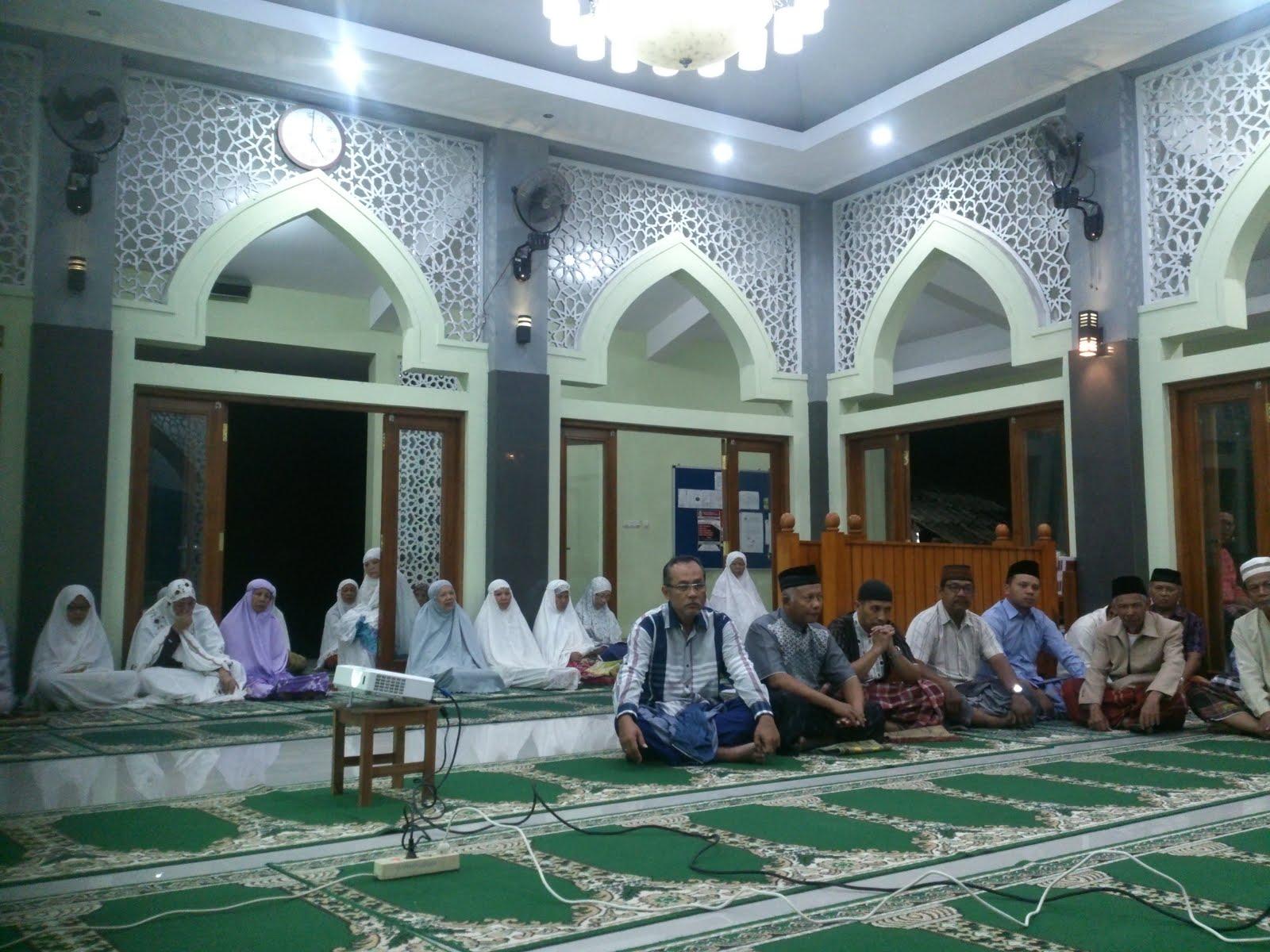 Ngobar di Masjid Assalam