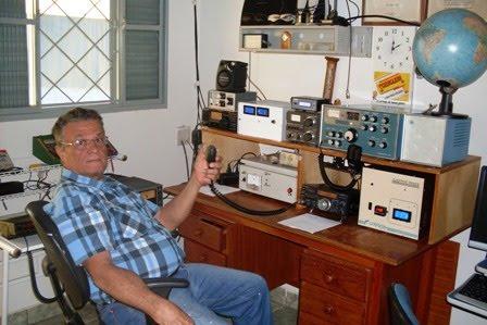 PY2PO MACEDO em sua estação com o IC-718