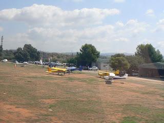 Avions aparcats a Bellvei.