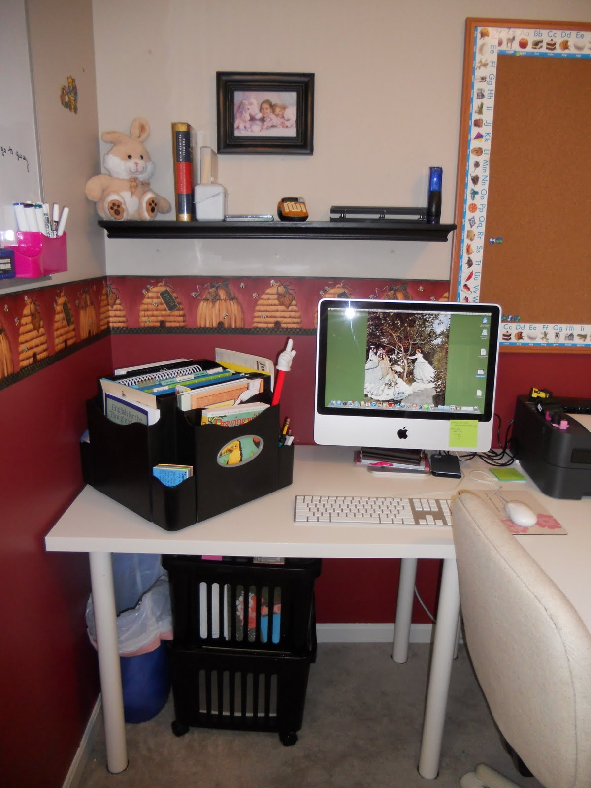 Staples Desk Apprentice