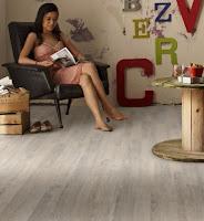 Jak pielęgnować podłogę drewnianą