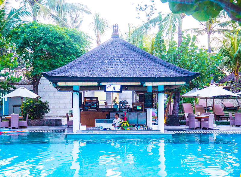 Padma Resort Legian swimming pool and bar