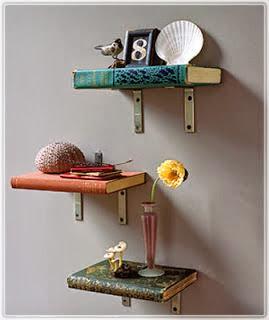 półka z książek pomysł DIY