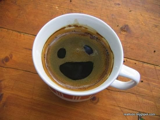 Happy Coffee Face - Rosto de Cafe Feliz - Pareidolia-001