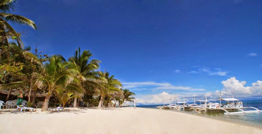 The beach at Malapascua Exotic island Dive Resort