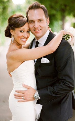 tamera mowry husband. Wedding Photos of Tamera Mowry!! Tweet Check Out a few wedding photos from Tamera#39;s big day! Can#39;t wait to get a complete look when quot;Tia and Tamera Take 2quot;