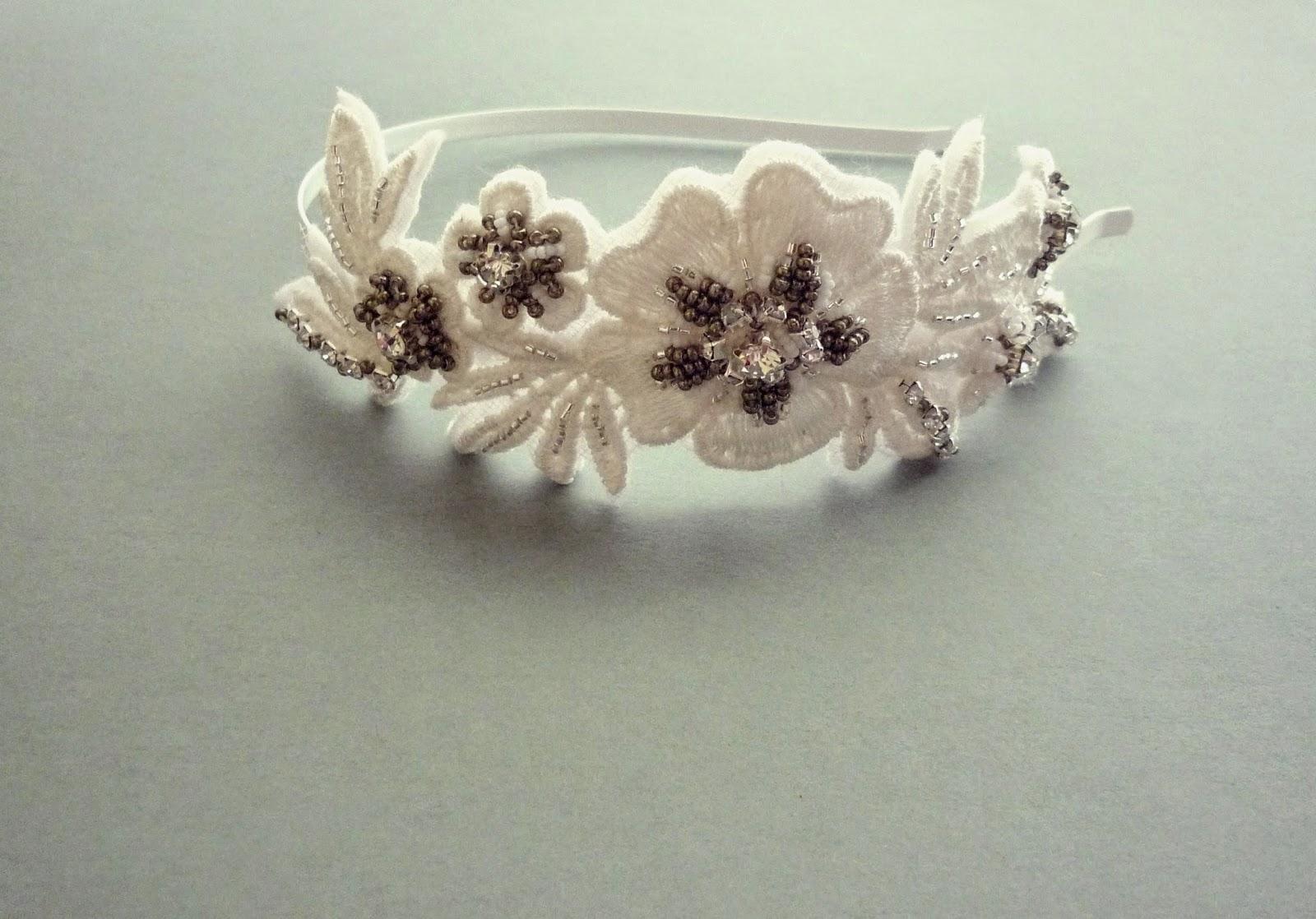 bridal hairband senoritajoya.etsy.com
