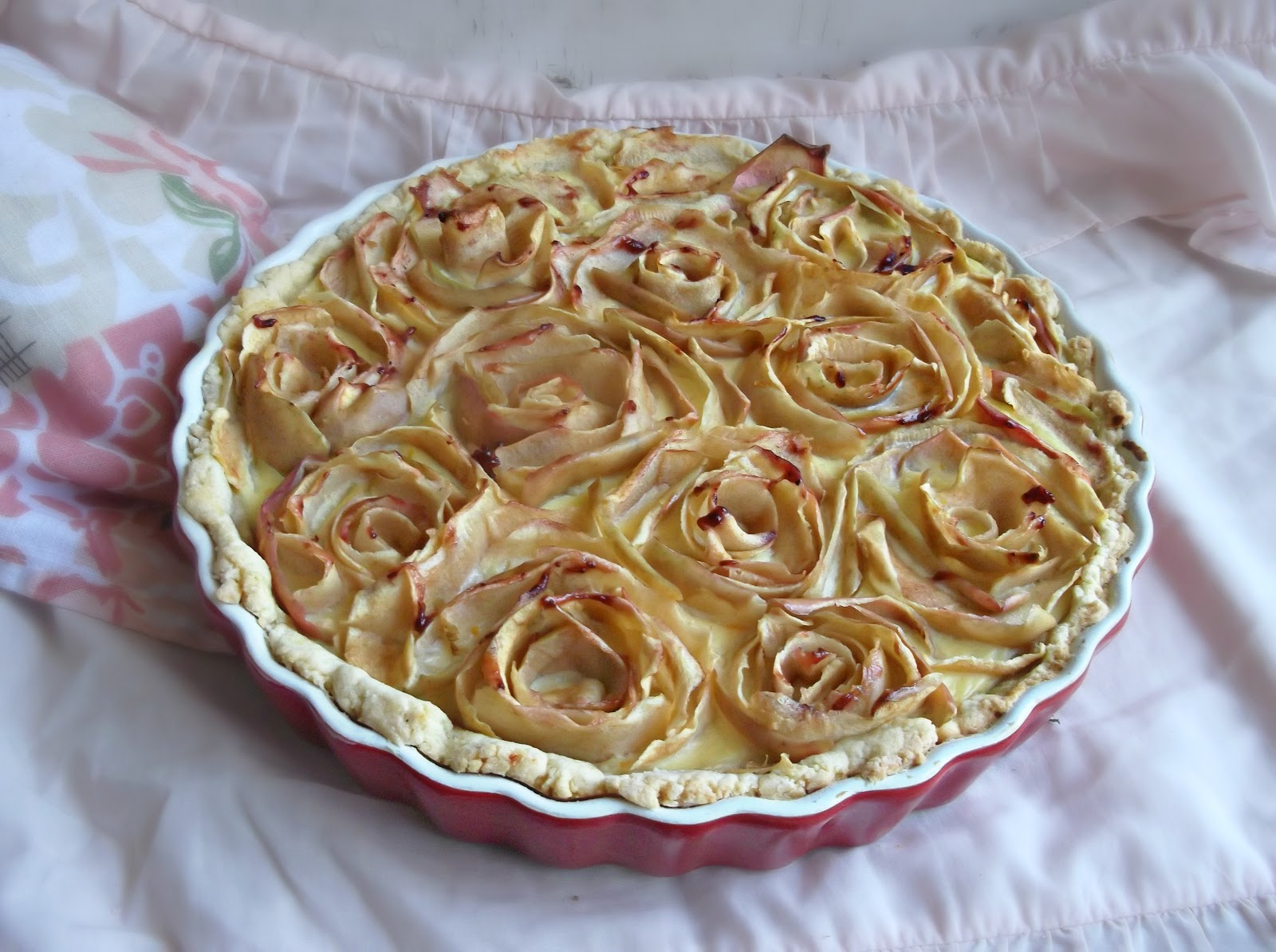 APPLE CUSTARD TART OF ROSES (Adapted From Delicious With Jolien )