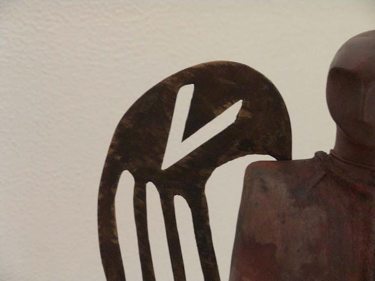 Habemus Gres, modelado, quema de baja temperatura, bronce 105 x 14 x 35 cm.