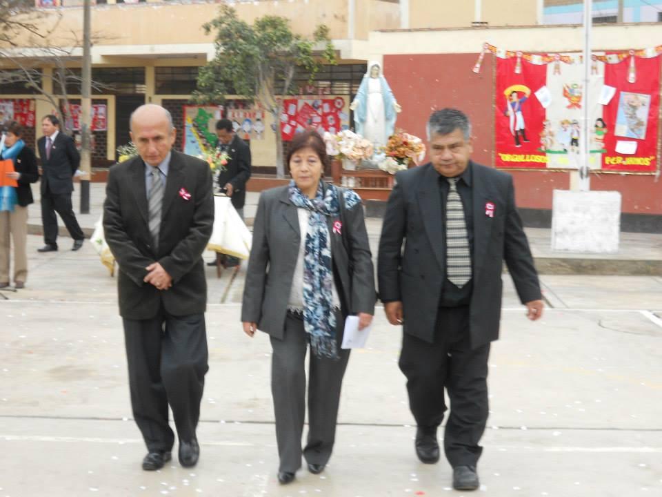 Los homenajeados Maria Cabrera, Carlos Dávila y Humberto Pinedo