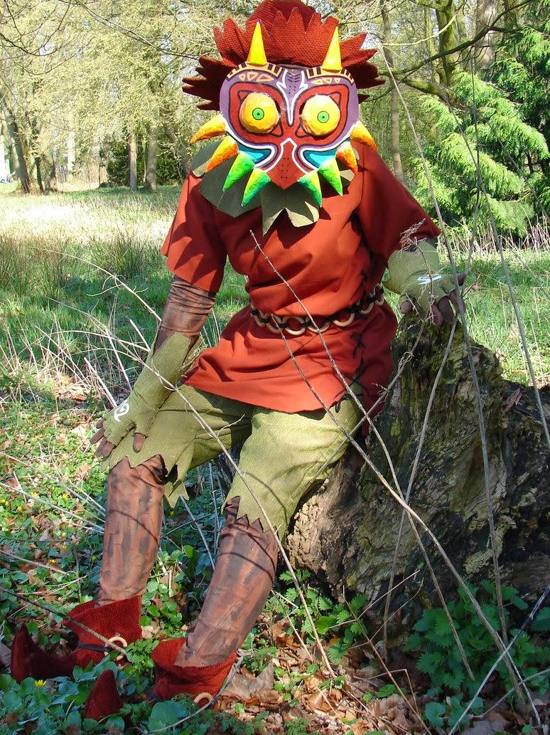 http://queenofthe.deviantart.com/art/Skull-kid-with-Majora-s-Mask-costume-370444722