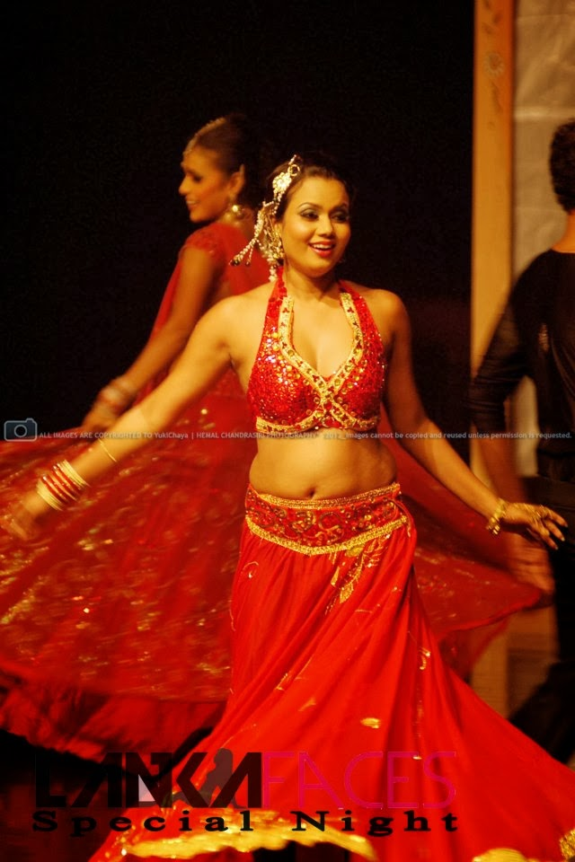 Gayesha perera red navel