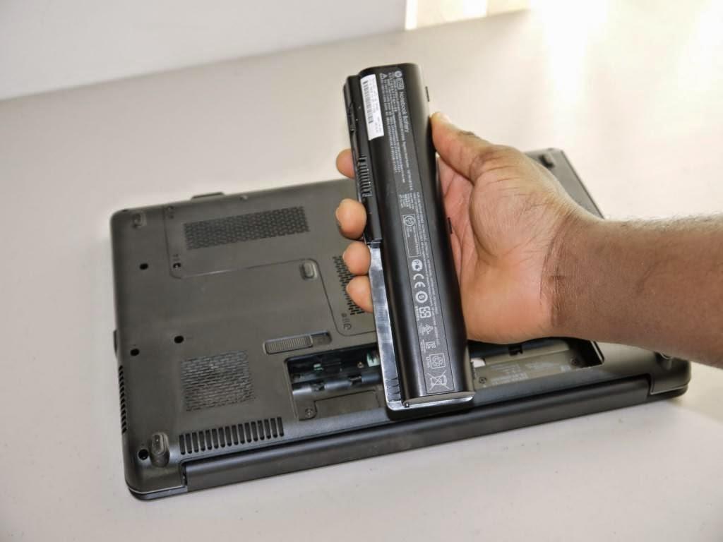 pasang-baterai-laptop