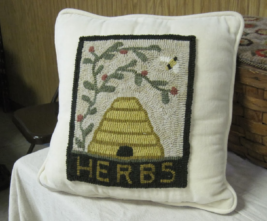 """BEESKEEP PILLOW"""