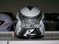 "Helm full face Snail FF888 ""Racing R"" kaca pelangi warna putih motif."