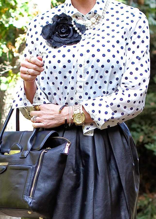 polka dot blouse and pearls
