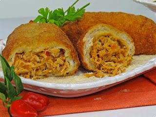 Pão recheado de pernil, frango ou peru
