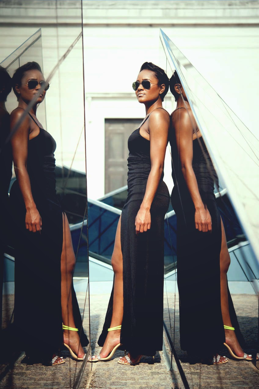 black-maxi-dress-with-slit