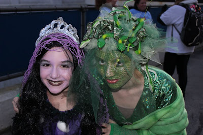 Girls at the 2011 Haunted Happenings Parade