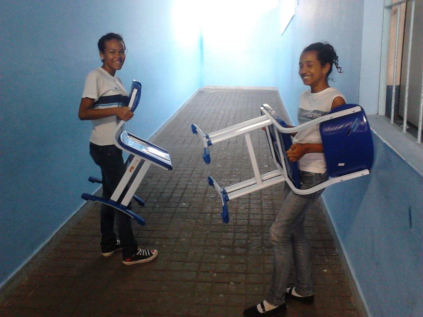 Jornal legend rio 2 ed 2013 aten o ao nosso mobili rio for Gen z mobiliario