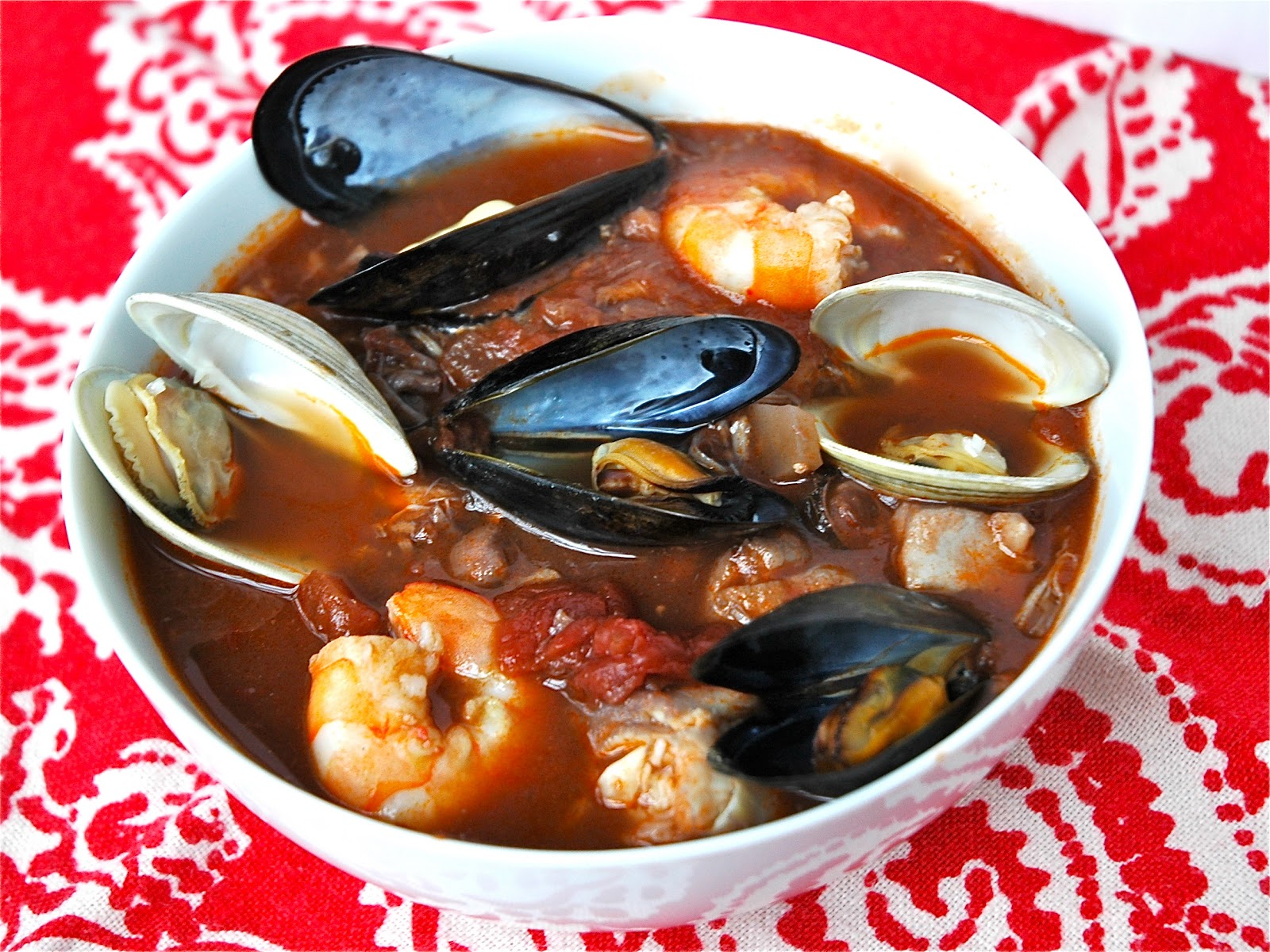Eat live grow paleo two hunky italians cioppino and for Christmas eve fish dinner