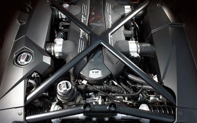 Lamborghini Urus Engine.