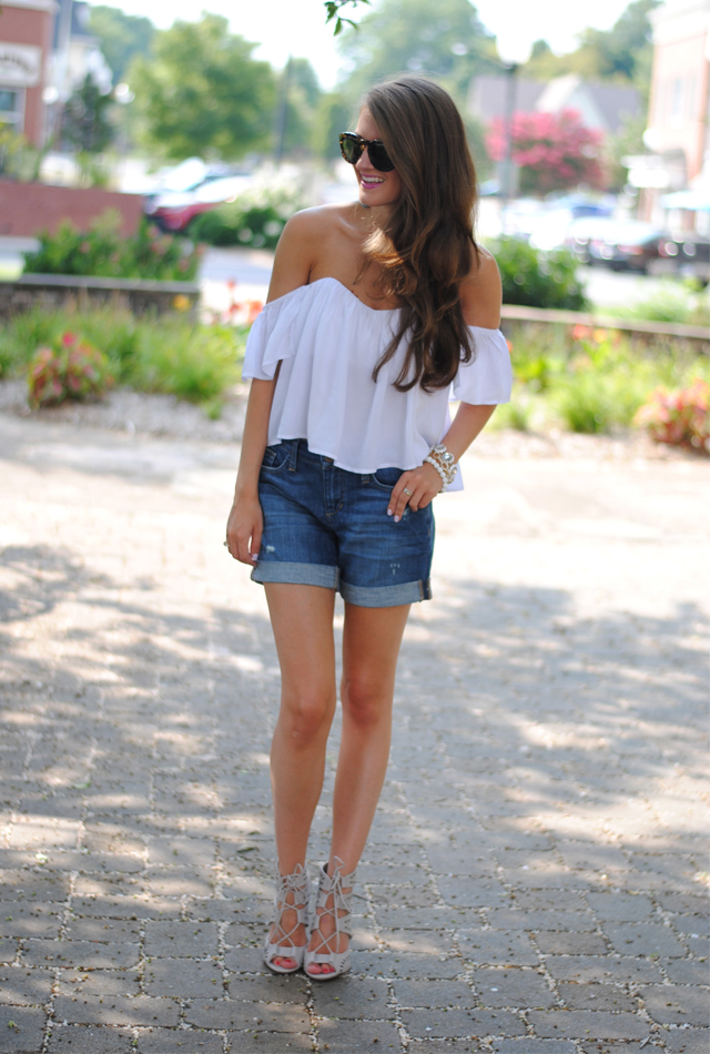 White crop top plus denim shorts.. perfect!