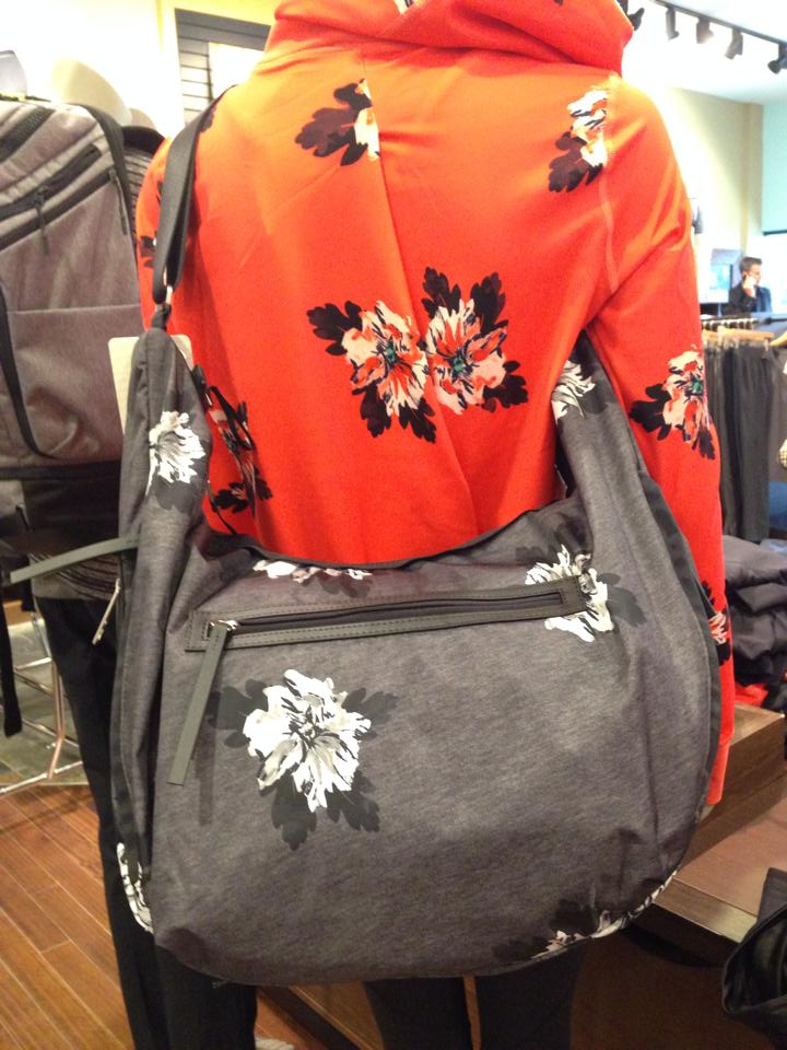 lululemon resolution hobo bag