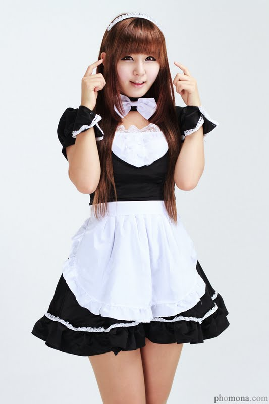 Ryu Ji Hye - Maid Cosplay